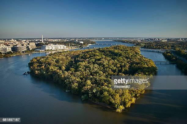 USA, Washington, D.C., Aerial photograph of Roosevelt Island in the Potomac River