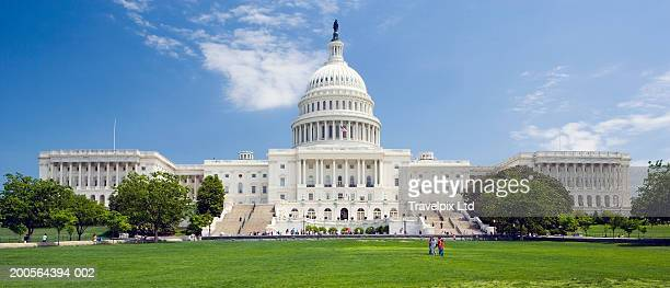 usa, washington dc, capitol building dome and statue - capitol building washington dc stock pictures, royalty-free photos & images