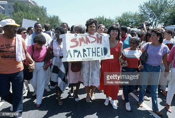Washington DC citizens demonstrate against Apartheid in South Africa