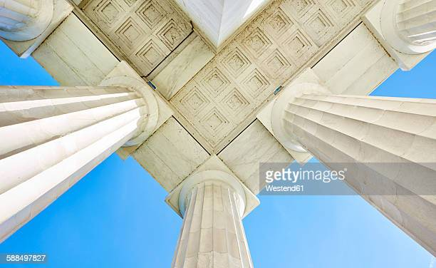 usa, washington d.c., columns and roof of lincoln memorial - lincoln memorial stock pictures, royalty-free photos & images