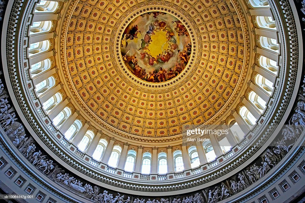 USA, Washington DC, Dome of Capitol Building, interior, view from below : Foto de stock