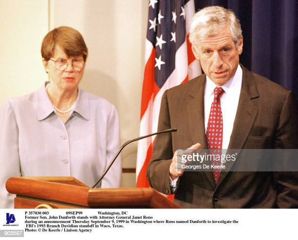 Washington, DC Former Sen. John Danforth stands with Attorney General Janet Reno during an announcement Thursday September 9, 1999 in Washington...