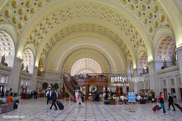 usa, washington dc, interior of union station - ワシントンdc ユニオン駅 ストックフォトと画像