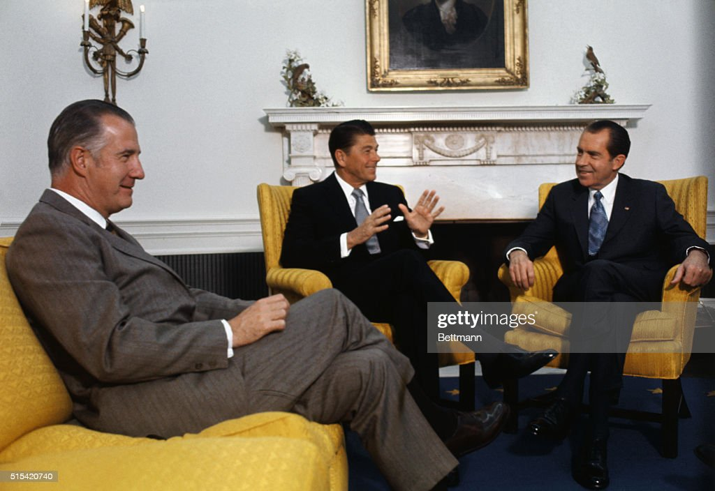 Ronald Reagan Meeting with President Nixon and Spiro Agnew : News Photo