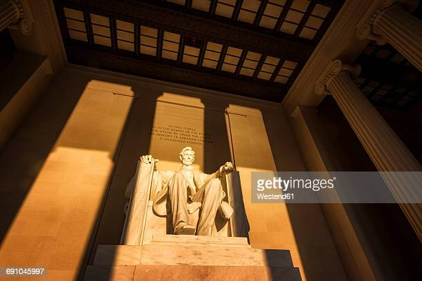 usa, washington dc, lincoln memorial at sunrise - lincoln memorial stock pictures, royalty-free photos & images