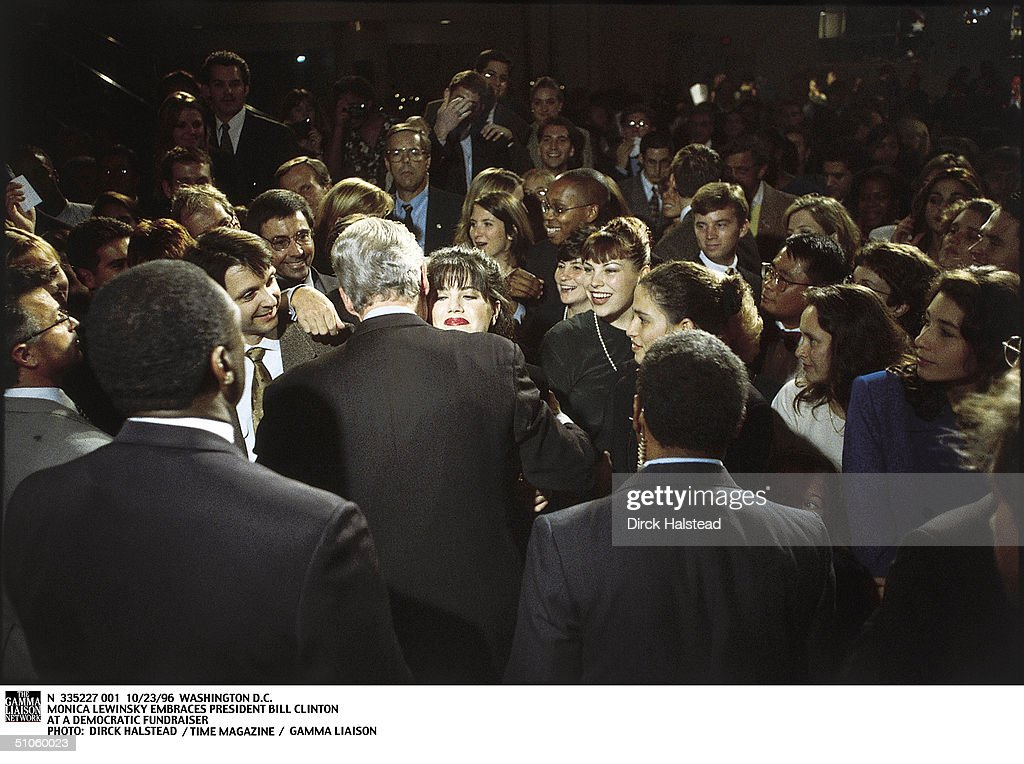 Monica Lewinsky Embraces President Bill Clinton At A Democrati : News Photo