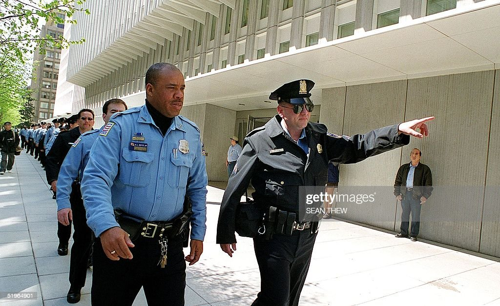 Washington dc police officers are deployed to pos pictures washington dc police officers are deployed to positions surrounding the world bank and international monetary sciox Images