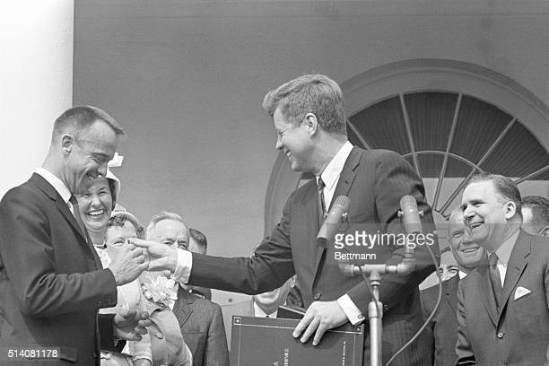 Washington, DC: Shepard Gets Medal: President Kennedy presents America's first astronaut, Commander Alan B. Shepard Jr., with NASA's distinguished...