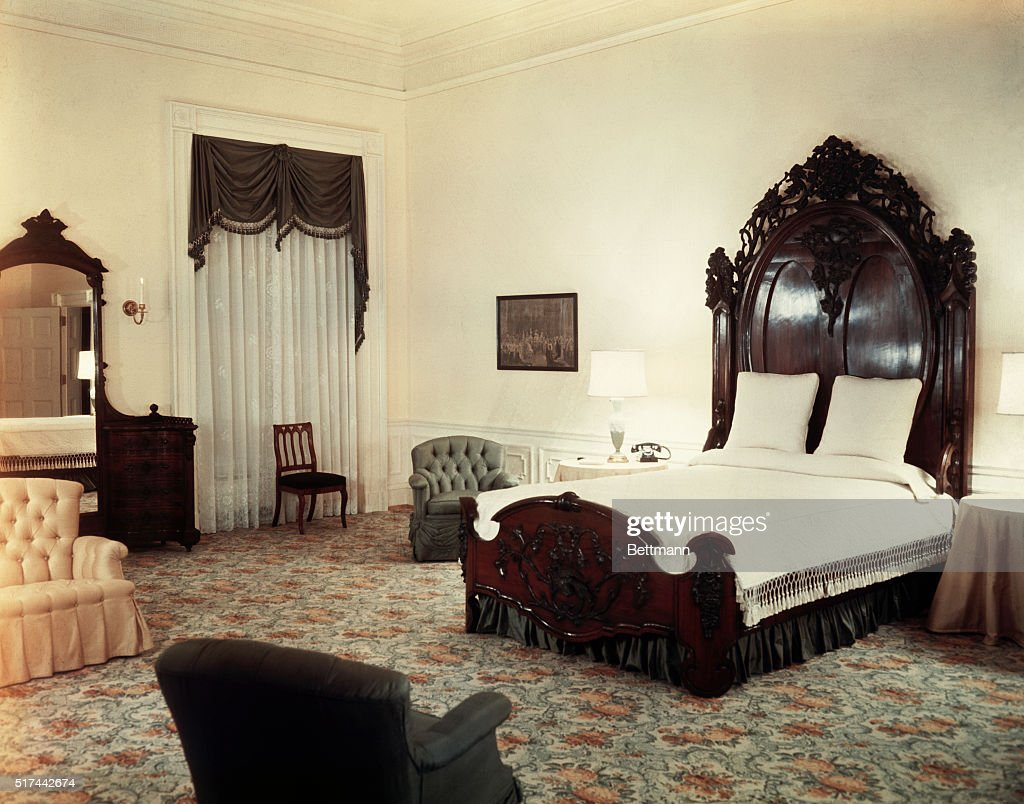 The White House, Interiors  President Lincolnu0027s Bedroom. UPI Color Slide.