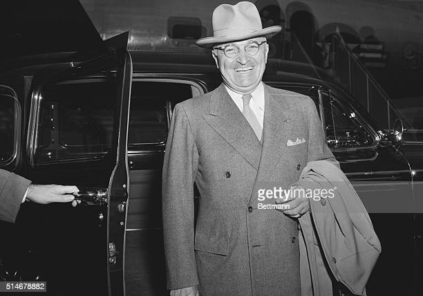 12/8/1947 Washington DC Truman retruns from vacation in Florida Tanned and rested from a five day vacation in Florida President Truman was in high...