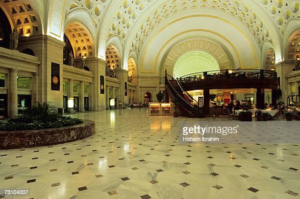 usa, washington dc, union station interior - ワシントンdc ユニオン駅 ストックフォトと画像