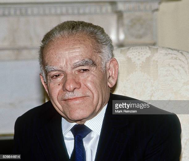 Washington DC USA 16th March 1988 Yitzhak Shamir Prime Minister of Israel in the Oval Office of the White House during meeting with President Ronald...