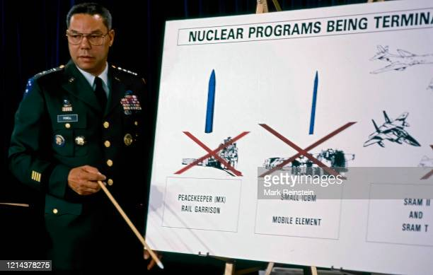 """Washington, DC. USA, September 28, 1991""""nChairman of the Joint Chiefs of Staff Gen. Colin Powell uses a chart to explain President Bush's nuclear..."""