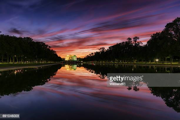 USA, Washington DC, view to Lincoln Memorial at sunset