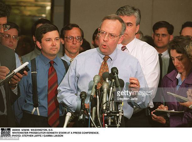 Washington DC Whitewater Prosecutor Kenneth Starr At A Press Conference