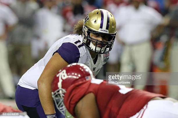 Washington Huskies defensive lineman Elijah Qualls during the College Football Playoff Semifinal at the ChickfilA Peach Bowl between the Washington...