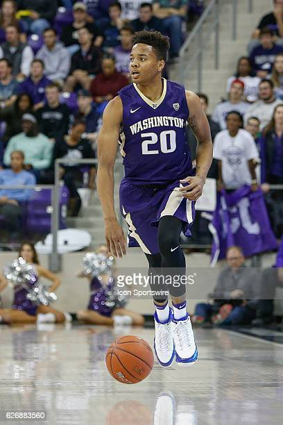 Washington Huskies guard Markelle Fultz brings the ball up the court during the NCAA Basketball game between the Washington Huskies and TCU Horned...