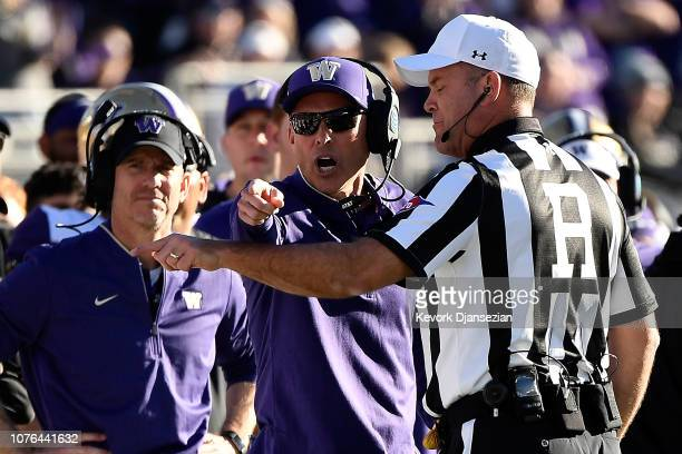 Washington Huskies head coach Chris Petersen reacts to a call during the first half in the Rose Bowl Game presented by Northwestern Mutual at the...
