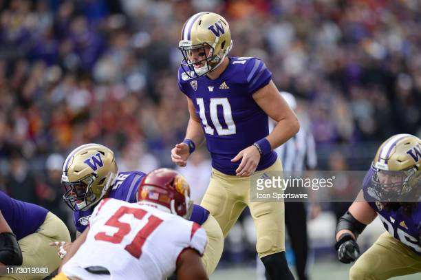 Washington Huskies quarterback Jacob Eason calls plays at the line of scrimmage during a PAC12 Conference game between the Washington Huskies and the...