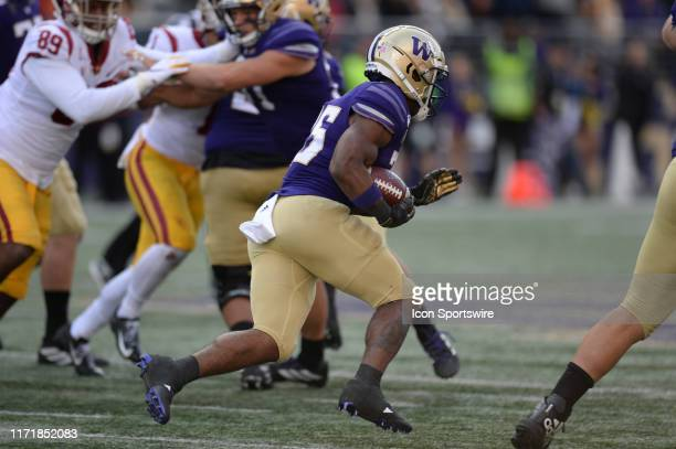 Washington Huskies wide receiver Chico McClatcher runs the ball during a PAC12 Conference game between the Washington Huskies and the USC Trojans on...