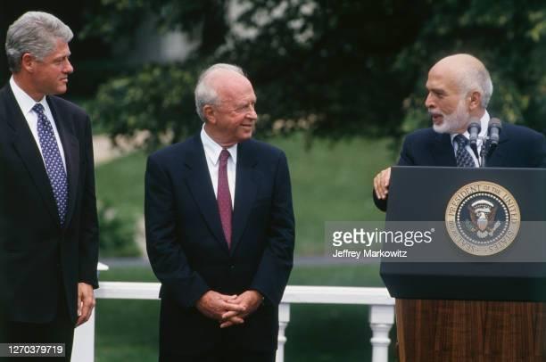 Israeli/Jordanian negotiations - From left to right : Bill Clinton, Yitzhak Rabin and King Hussein of Jordan.
