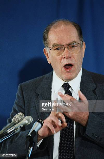 Lyndon LaRouche addresses the National Press Club At the session LaRouche characterized by his political enemies as drug pushers homosexuals...