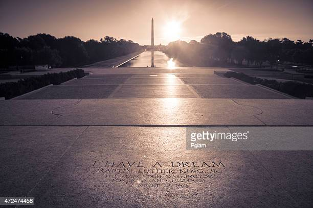 washington monument from the lincoln memorial - martin luther king stockfoto's en -beelden