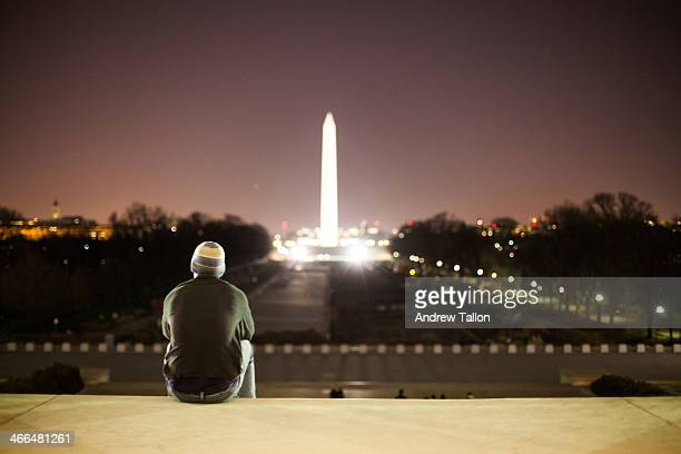washington monument view - monument stock pictures, royalty-free photos & images