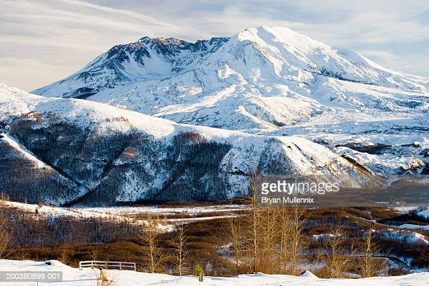 USA, Washington, Mt. St. Helens covered in snow, winter
