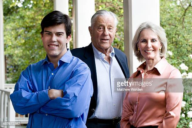 Washington Post editor Ben Bradlee poses with his son Quinn Bradlee and wife Sally Quinn at their home April 2009 in Washington DC