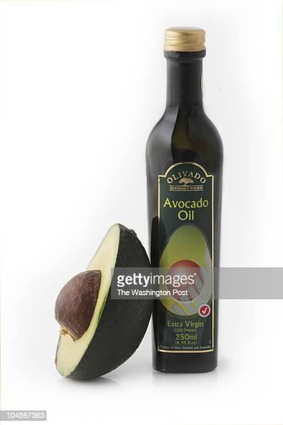 8/17/06 PHOTO Julia Ewan/TWP Avocado Oil