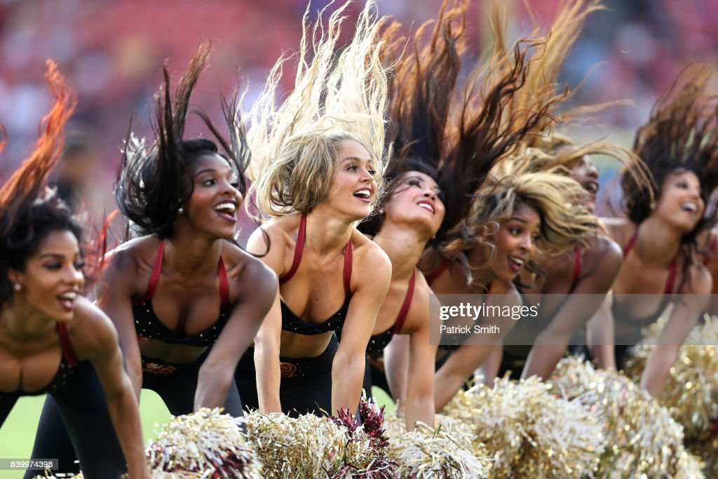 Cincinnati Bengals v Washington Redskins : News Photo