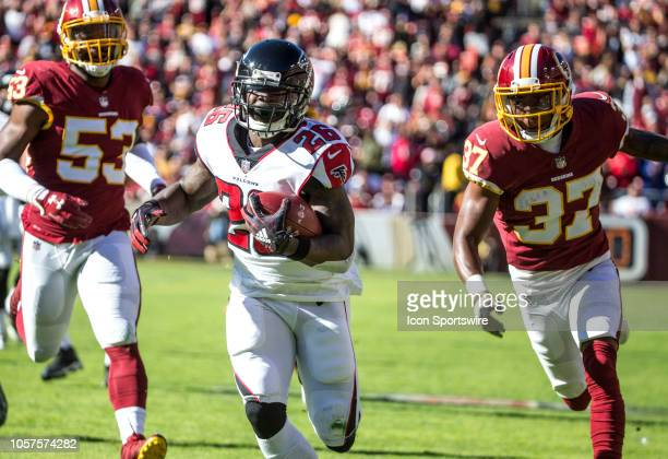 Washington Redskins cornerback Greg Stroman chases Atlanta Falcons running back Tevin Coleman on his way to a touchdown during a NFL game between the...