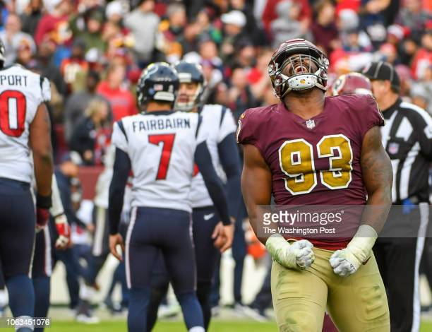 Washington Redskins defensive end Jonathan Allen reacts as Houston Texans kicker Ka'imi Fairbairn misses a fourth quarter field goal at FedEx Field