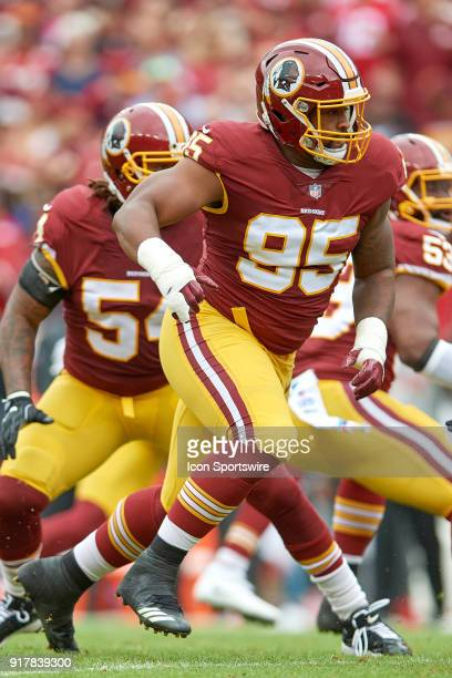 Washington Redskins defensive end Jonathan Allen runs in action during a NFL football game between the San Francisco 49ers and the Washington...