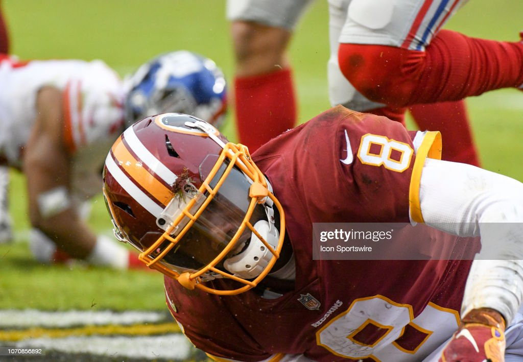 NFL: DEC 09 Giants at Redskins : News Photo