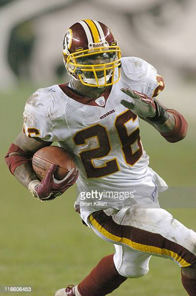 Washington Redskins running back Clinton Portis with the ball against the Philadelphia Eagles on Sunday January 1 2006 at Lincoln Financial Field in...