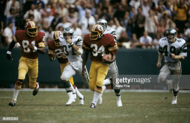 Washington Redskins running back Tony Green carries the football on a punt return during the Redskins 3530 victory over the Philadelphia Eagles on...