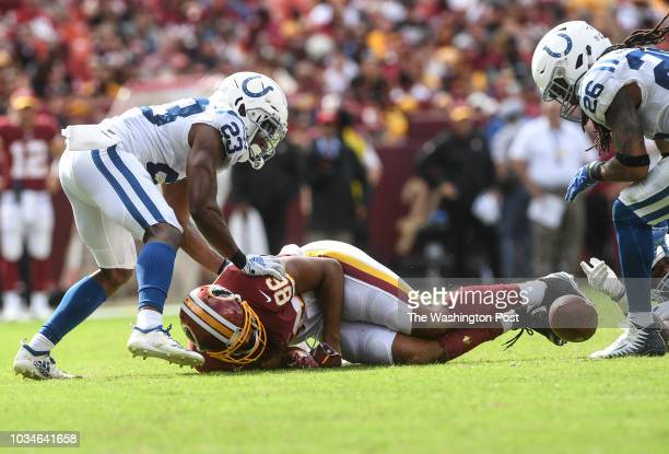 LANDOVER MD SEPTEMBER Washington Redskins tight end Jordan Reed fumbles the ball with five minute left in the fourth quarter of the game between the...
