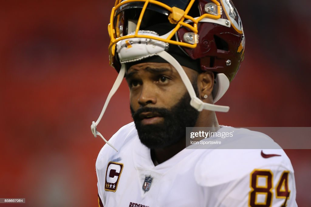 Washington Redskins tight end Niles Paul (84) before an NFL game between the Washington Redskins and Kansas City Chiefs on October 2, 2017 at Arrowhead Stadium in Kansas City, MO.