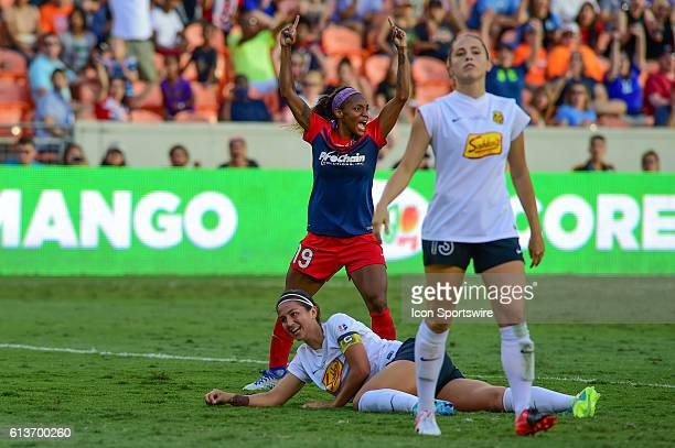 Washington Spirit forward Crystal Dunn reacts to scoring her second goal of the game during the 2016 NWSL Championship soccer match between WNY Flash...