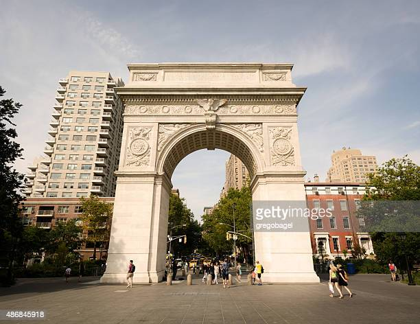 washington square arch at greenwich village in new york city - washington square park stock pictures, royalty-free photos & images
