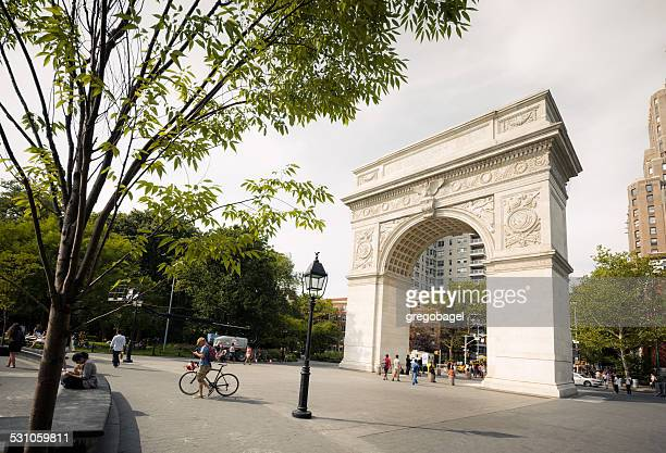 ワシントンスクエア凱旋門にグリニッチビレッジニューヨーク市 - ニューヨーク郡 ストックフォトと画像