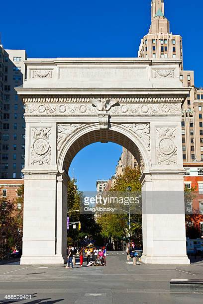 washington square arch, manhattan, new york. - washington square park stock pictures, royalty-free photos & images