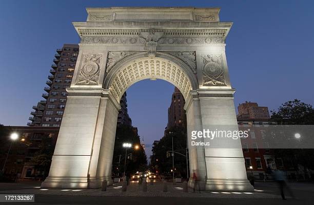 washington square park at night - washington square park stock pictures, royalty-free photos & images