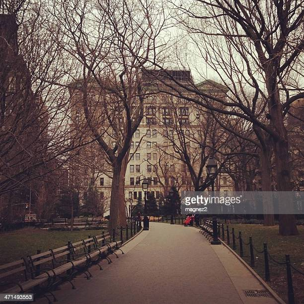washington square park, new york city - washington square park stock pictures, royalty-free photos & images
