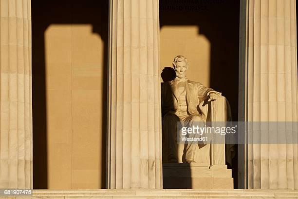 USA, Washington State, Lincoln Memorial in Washington DC at sunrise.