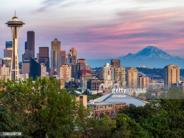 usa, washington state, seattle skyline and mount rainier - washington state stock pictures, royalty-free photos & images