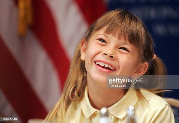 """Washington, UNITED STATES: Bindi Irwin, daughter of Steve Irwin, the late """"Crocodile Hunter"""" makes remarks during a Newsmakers Luncheon 19 January,..."""