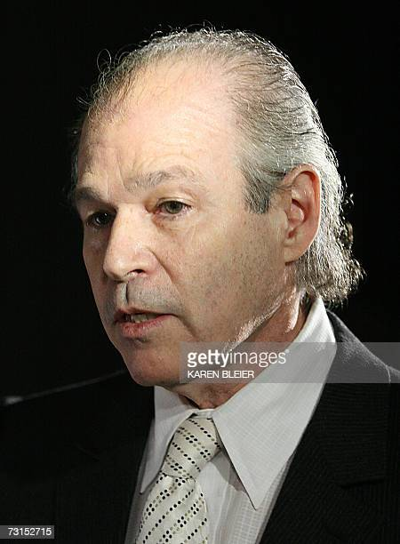 Washington, UNITED STATES: Dr. Robert Jarvik, developer of artificial hearts, is interviewed 30 January 2007 at the Smithsonian's Air and Space...
